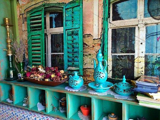 Cajdzinica Dzirlo-Tea House: Lovely decorated
