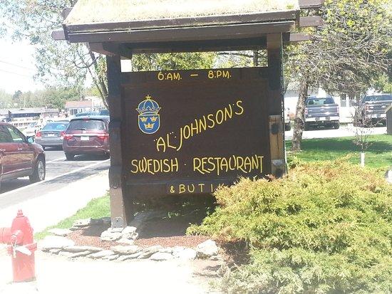 Al Johnson's Swedish Restaurant & Butik: Iconic sign