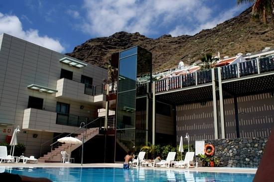 Ska Diamond Apartaments: Pool area