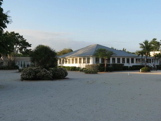 Island Inn : All Quiet