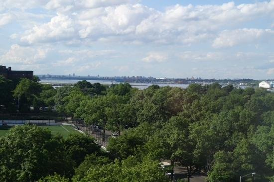 Holiday Inn LaGuardia Airport: view from my room.