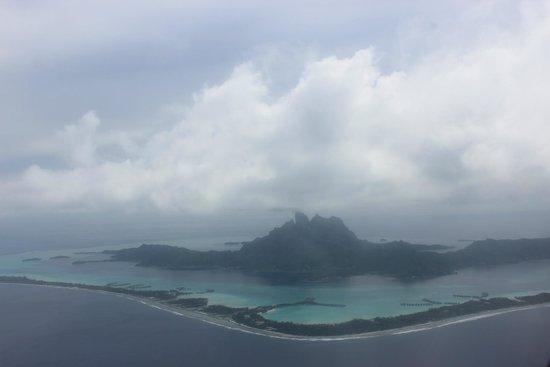 Sunset Hill Lodge: Aeroplane views of Bora Bora