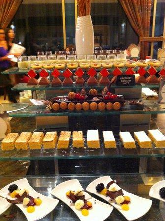 Movenpick Ibn Battuta Gate Hotel Dubai: Fantastic buffet