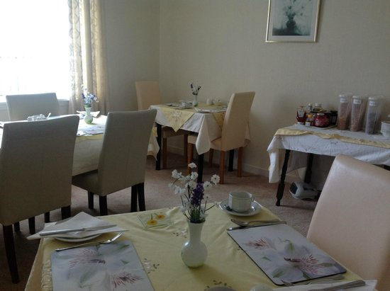 St Blanes Bed and Breakfast: Breakfast Room