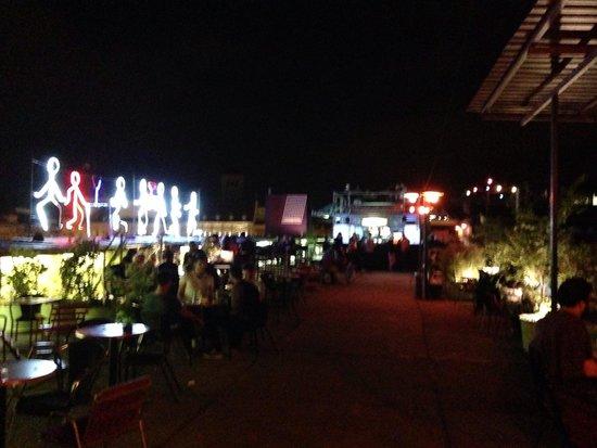 Corvin Club: La terrasse du Corvinteto
