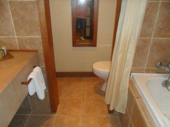InterContinental Moorea Resort & Spa: baño con bañera