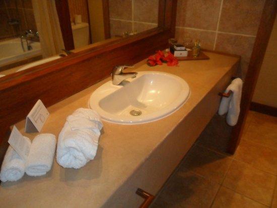 InterContinental Moorea Resort & Spa: comodo baño