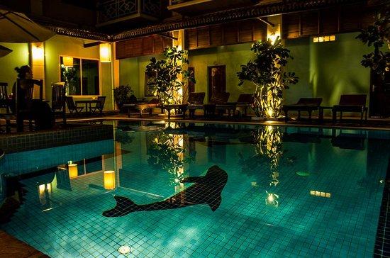 Tan Kang Angkor Hotel: Smimming pool - bar's view