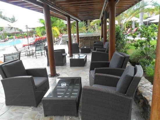 InterContinental Moorea Resort & Spa: zona del bar de la piscina