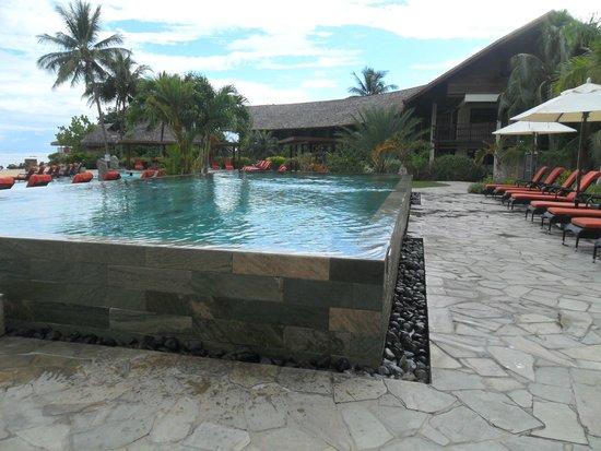 InterContinental Moorea Resort & Spa: pileton con desborde permanente en 4 lados