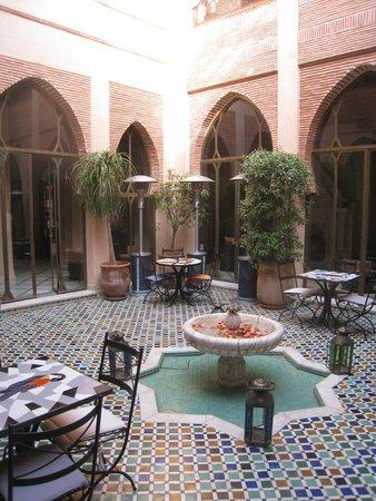 Riad le Perroquet Bleu : coin détente pour y boire un bon thé à la menthe :)