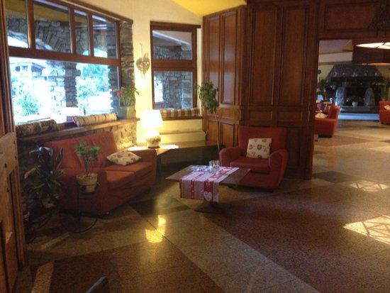 Hotel Club Mont Blanc: Ingresso