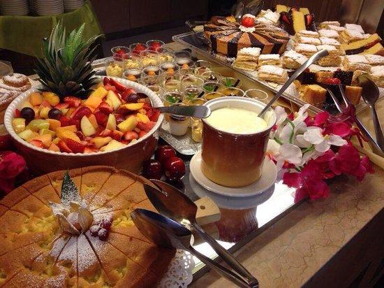 Hotel Parchi del Garda : Buffet