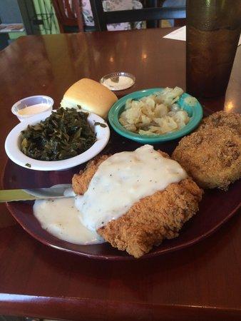 Kitty's Kafe: Good, Southern food!