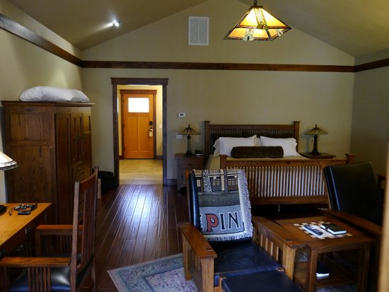 Five Pine Lodge & Spa: Inside 2