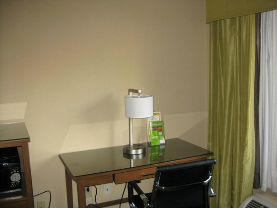 La Quinta Inn Austin North: Room