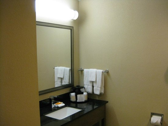 La Quinta Inn Austin North: bathroom