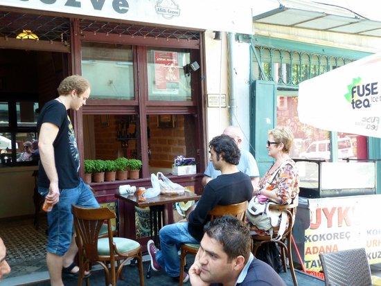 My Local Guide Istanbul Tours: Tea break
