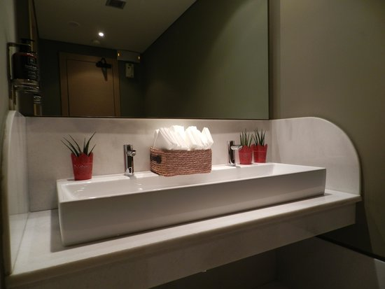The Excelsior: 2nd floor common bathroom