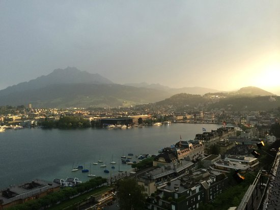 Art Deco Hotel Montana Luzern: Sunset from Room 605