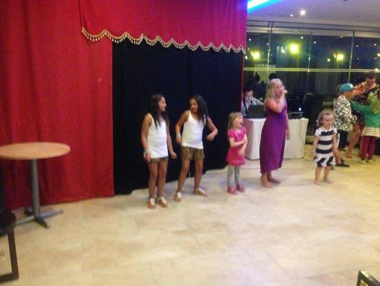 Avra Beach Resort Hotel - Bungalows : lovely  for the kids