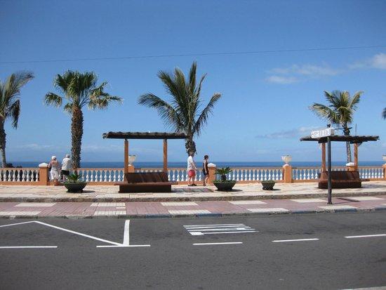 Be Live Family Costa los Gigantes: Beach Bulevard