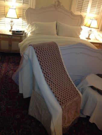 Justine Inn Savannah: The Provence Room