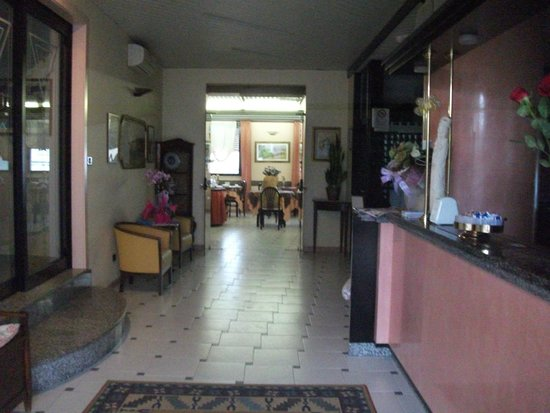 Hotel Eden: Eingangsbereich