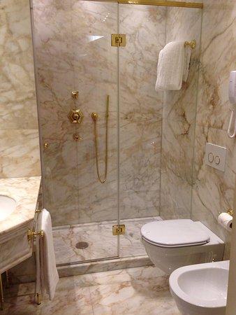 Hotel Ai Reali di Venezia: Deluxe double room.