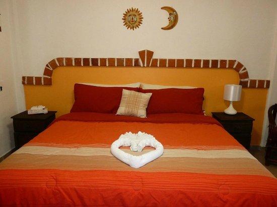 Suites Fenicia: Habitación cama king size