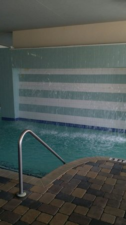 Oceans One Resort : Indoor pool with waterfall, all pools are heated