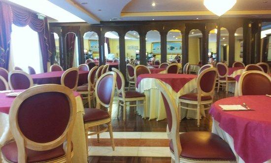 Grand Hotel Osman: Bella sala ristorante