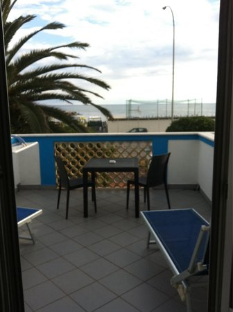 Hotel Eco del Mare : Enorme solarium in camera!!!!