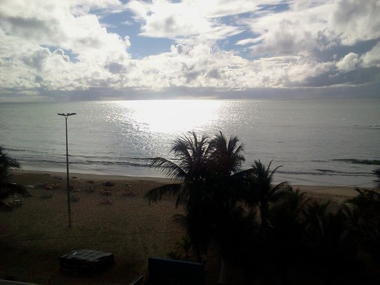 Hotel Dan Inn Mar Recife: Praia vista do Apartamento