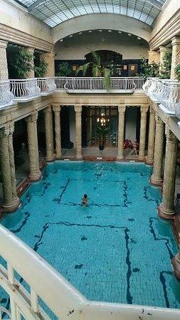 Gellert Spa : внутренний бассейн