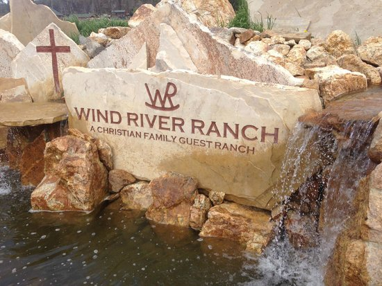 Wind River Christian Family Dude Ranch : Entrance