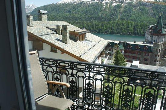 Hotel Eden Garni St. Moritz: Lake and Mountain View