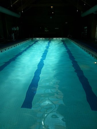 Skamania Lodge: Pool without bleachy, chemical smell. Little humid.