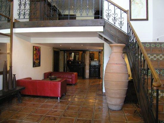 Hotel Pepper Tree : Hotel Lobby