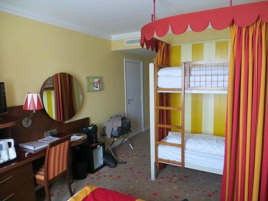 Vienna House Magic Circus Paris: room