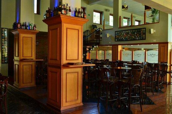 Cervejaria Farol: Ambiente de Bar