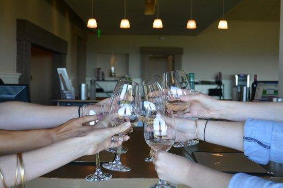 Paradise Ridge Winery : Cheers!