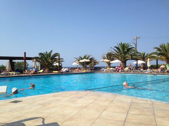 Beach Club Aphrodite : Main pool