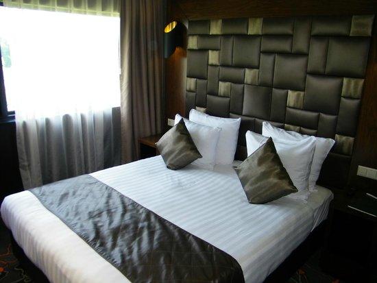 Hotel Golden Tulip Amsterdam West : slaapkamer