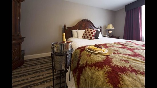 Colonial Hotel: Suite