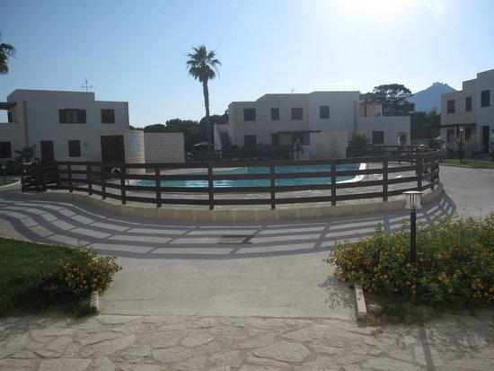 Residence Lido Burrone : zona piscina