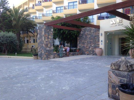 Beach Club Aphrodite : Main entrance