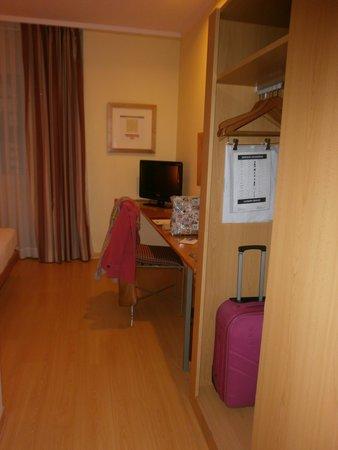 Hotel T3 Tirol: armario