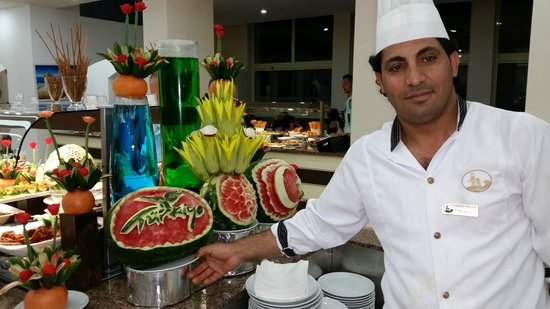 Batihan Beach Resort & Spa: Well done for the person who does amazing things with watermelons