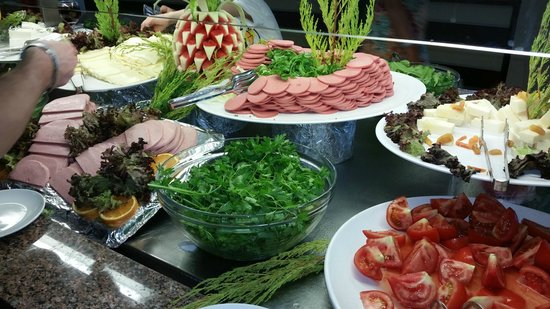 Batihan Beach Resort & Spa: Dining